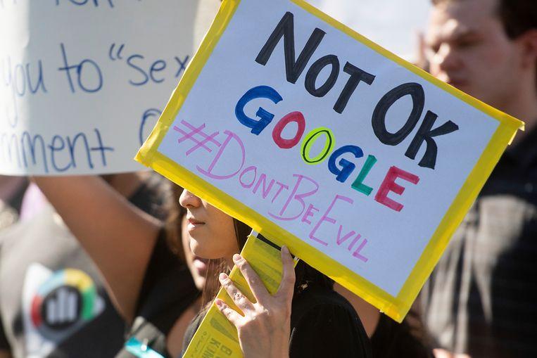گوگل از کارمندان خود عذرخواهی کرد