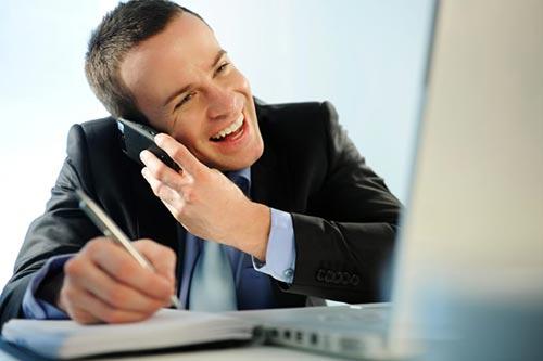 ۸ راهنمایی کلیدی برای موفقیت در بازاریابی تلفنی