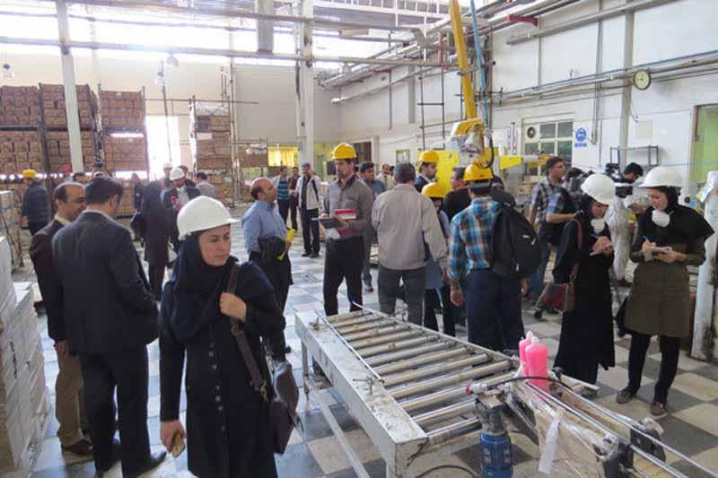 تور بازدید از خط تولید مراکز صنعتی معتبر