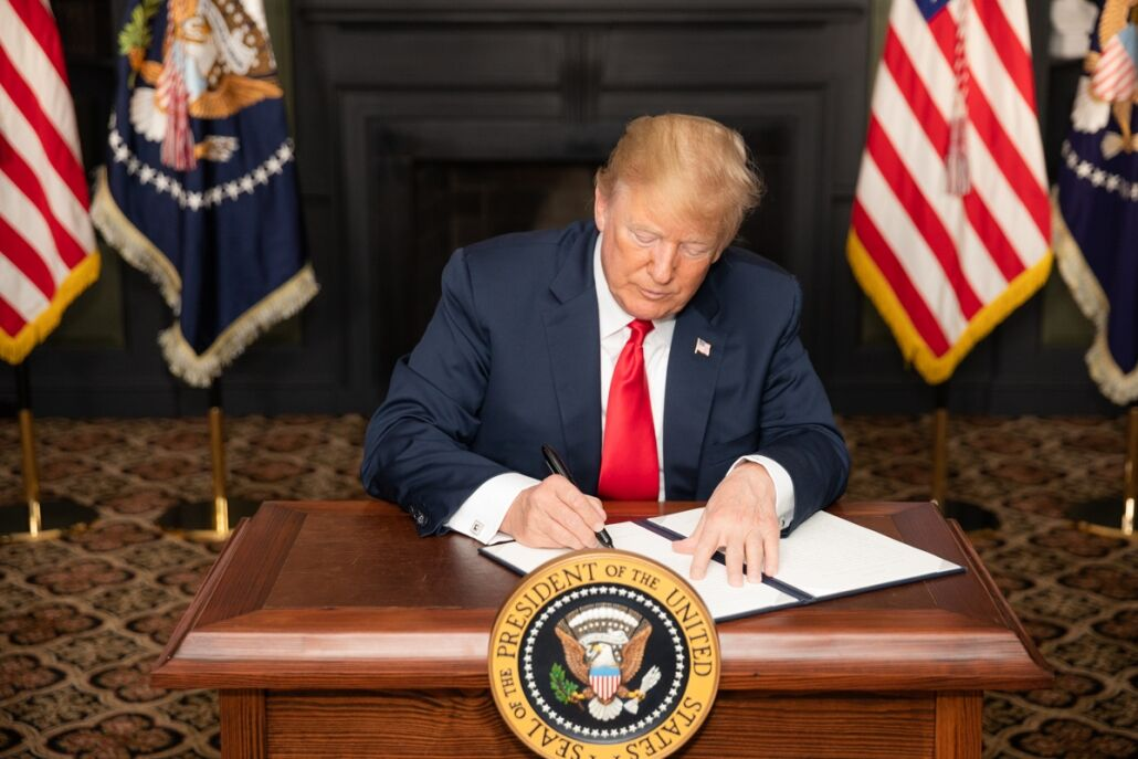 ترامپ لایحه تحریم چین را امضا کرد