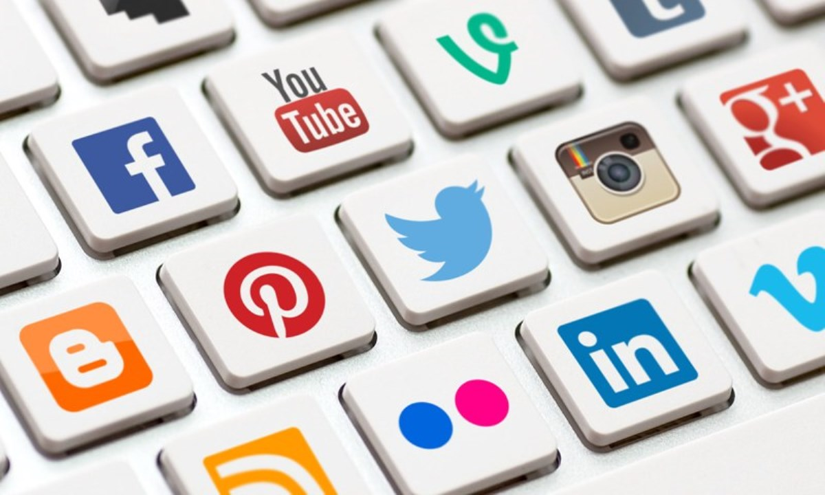 افزایش قدرت انحصاری مشاغل کاذب اینترنتی؛از بازدید کننده تا هشتگ زن